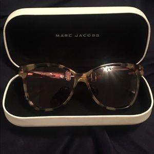 Marc Jacobs leopard print sunglasses
